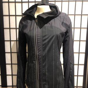 Lululemon reflective reversible wind jacket size 4